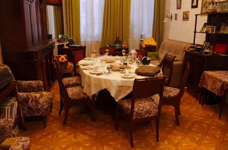 Traditional St Petersburg apartment
